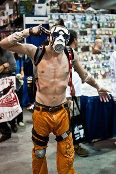 Borderlands psycho cosplay.