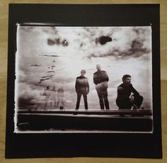 """Muse """"The Resistance"""" deluxe box set with CD+DVD album, 2LP 180g heavyweight vinyl album, Muse 2GB USB pre-loaded with WAV, Apple Lossless and mp3 320kbps files plus bespoke audio player, and 12"""" art print, 2009. (12"""" art print)"""