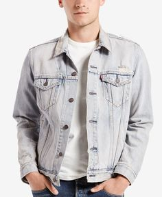 The original jean jacket since 1962, this trucker by Levi's is fit for anything…