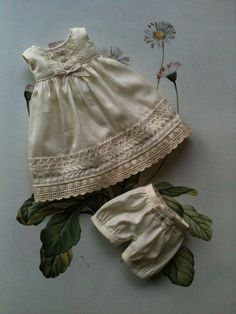Antique Cream set for Yo-SD dolls Dress and par moshimoshistudio