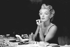 Oh My! MAC To Launch Full Marilyn Monroe Collection (DETAILS)