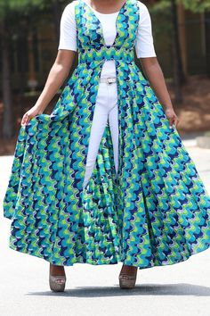 African maxi dress, round to the bottom, fully lined at the top, open at the front, elegant dress perfect for a party. Show off your sophisticated, stylish and trendsetting style when you wear this sensational A-line dress. This dress is snug fitting at the top and roomy at the