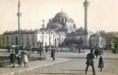 Beyazıt Meydanı / 1910lar http://eski.istanbulium.net/post/172307621996/beyazıt-meydanı-1910lar