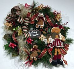 "door Wreath ""Baked Fresh"" Gingerbread Christmas Winter Fall  Sweet! One-of-a-kind design by Cabin Cove Creations ...If sold stop by the cabin and check out all my other unique designs :) ... Click here ...  http://www.etsy.com/shop/cabincovecreations?ref=si_shop"
