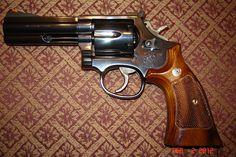 Custom S .357 Model 566
