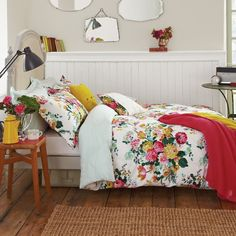 X DISC Joules Ruby Floral Duvet Cover. Beautiful Ruby Floral Duvet Cover by Joules Colourful pattern of flower blooms Simple & detailed striped reverse pattern Dream Bedroom, Home Bedroom, Bedroom Decor, Bedroom Ideas, Bed Ideas, Dream Rooms, Bedroom Inspiration, Floral Bedding, Cotton Bedding