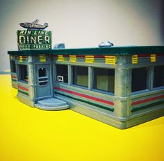 This model shows off the Airline (Jackson Hole) Diner in Astoria, Queens NY. Infamously known as a filming location in my favorite film of all-time GOODFELLAS. This is an HO scale model