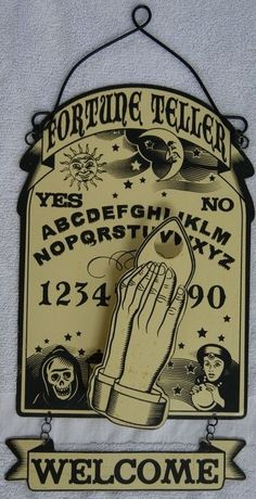 This is cute, and I thought about how fun it would be to have pillows with Ouija, Tarot, etc. Casa Halloween, Vintage Halloween, Halloween Crafts, Halloween Decorations, Halloween Signs, Halloween Bedroom, Halloween Camping, Gothic Halloween, Spooky Decor