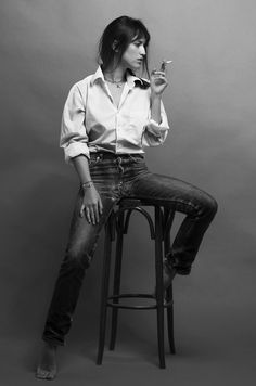 Jeans and a shirt, the Parisienne way.