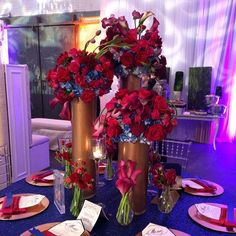 Modern floral display in copper vases for the @silverstreetstudios open house last night! Linens, chairs, and chargers by @elegantbeginningsinc @iamasterg, stationary by @myurbaninvites, and lighting @djuproductions @jasonfajkus @piperandmuse #floraeventi #floral #reception