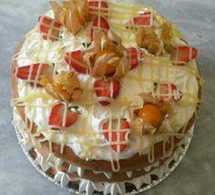 Naked Cake Brigadeiro Branco com Morangos