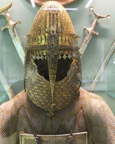 Indian (Maratha) top (helmet) and char-aina (cuirass), Hermitage Museum, St Petersburg, Russia.