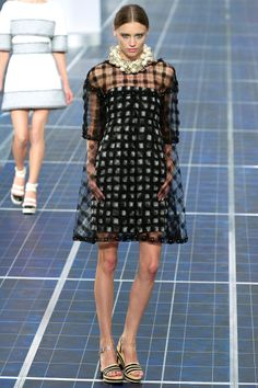 ANDREA JANKE Finest Accessories: Pearls, Pearls, Pearls - CHANEL Spring 2013