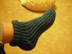 Rad Linc Crafts: Loom Knit Slipper Socks
