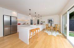 modern white kitchen by KMD Kitchens Auckland Kitchen Makeovers, Kitchen Renovations, Beautiful Kitchens, Auckland, New Kitchen, Modern, Home Decor, Kitchen Redo, Homemade Home Decor