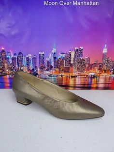 Womens shoes NINA bronze leather SPAIN gold heel VTG Mad Men Low Pumps sz 7 N