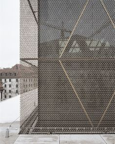 Gallery of The Jewish Center in Munich / Wandel Hoefer Lorch + Hirsch - 3 metal facade -The Jewish Center in Munich / Wandel Hoefer Lorch + Hirsch Metal Facade, Metal Cladding, Metal Screen, Architecture Metal, Detail Architecture, Building Skin, Building Facade, Building Homes, Facade Pattern