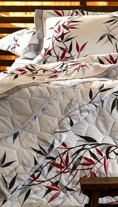 Com toda a qualidade e conforto que você precisa! Esse jogo de cama conta ainda com 180 fios, além de um toque macio e delicado, que além de lhe proporcionar noites mais agradáveis, ainda deixará seu ambiente muito mais bonito e aconchegante. #percal #sofisticado #confortototal #lindodemais #bedroom #decor #decoração #house #beautiful #amei #euquero