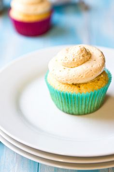 Dulce de Leche Cupcakes.....I MUST make these soon!