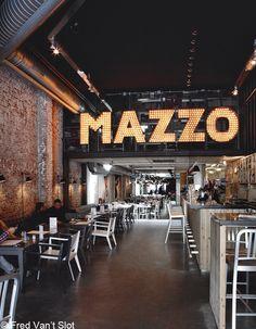 mazzo - Amsterdam, ville design - Elle Décoration Plus Design Pizzeria, Restaurant Design, Amsterdam, Café Theatre, Decoration Restaurant, Home Bar Accessories, Retail Signage, Black Ceiling, Pizza Restaurant