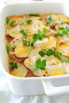 Pork Chop Casserole - boneless pork chops - flour - large red potatoes - white onion - cream of mushroom soup - shredded cheddar cheese - parsley - vegetable oil Pork Chop Casserole, Casserole Dishes, Casserole Recipes, Potato Casserole, Pork Chop Recipes, Meat Recipes, Cooking Recipes, Oven Recipes, Healthy Cooking