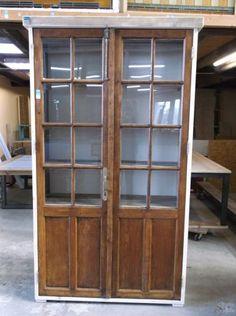 Prachtige sloophouten kast met oude Franse deuren van eikenhout | Restoric