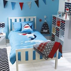 Shark Duvet Cover Set is a great theme for children's bedrooms