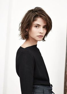 New Hair Cuts Short Style Medium Lengths Ideas Medium Hair Cuts, Medium Hair Styles, Curly Hair Styles, Short Neck, Corte Y Color, Hair 2018, Hair Day, Wavy Hair, Dyed Hair