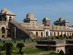 mandu is ruins that beautiful places in India 3