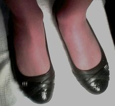 Ballerina Flats, Ballet Flats, Sexy Legs And Heels, Lady Diana Spencer, Ballerinas, Flat Shoes, Tights, Dance Shoes, Stockings