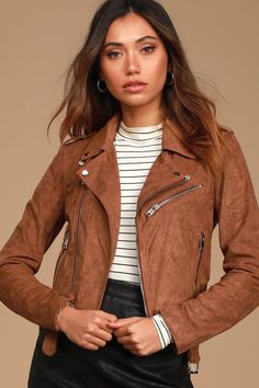 Suede Moto Jacket, Leather Jacket Outfits, Simple Outfits, New Outfits, Olive Green Pants, Tunic Tank Tops, Crop Tops, Cute Jackets, Striped Tee