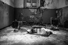 Risultati immagini per ospedale psichiatrico mombello