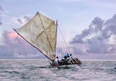 sailing-canoe-lagoon-oceania Wallis