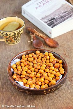 THE CHEF and HER KITCHEN: Spicy Oven Roasted Chickpeas Recipe | Low Calorie Snacks