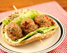 BLT turkey meatballs, stuffed in a sandwich. For lo carb exchange bread crumbs for 3 tbspns oat bran or omit and serve in lettuce wedge. Turkey Recipes, Great Recipes, Favorite Recipes, Healthy Recipes, Turkey Meatballs, Chicken Meatballs, Wrap Sandwiches, Dairy Free Recipes, Bon Appetit
