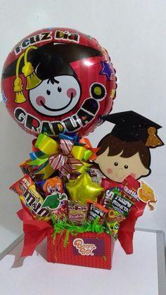 For Victoria's and Mia's graduation Graduation Bouquet, Diy Graduation Gifts, Graduation Cupcakes, Kindergarten Graduation, Graduation Decorations, Balloon Decorations, Balloon Centerpieces, Balloon Ideas, Diy Bouquet