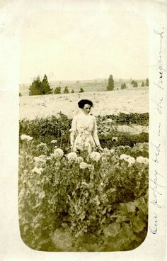 - Charlaine among the poppies - c. 1900 - (Via)