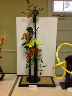 New Garden Club Journal: Topiary, Transparancy and Tubular Designs