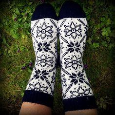 Ravelry: Alba Selbu Sokk pattern by Lill C. Knitting Socks, Hand Knitting, Knitting Patterns, Knit Socks, Warm Socks, My Socks, Stockings Legs, Cascade Yarn, Designer Socks