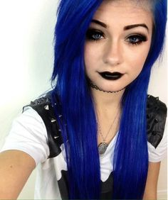 Hi!! I'm Shannon, I'm 19 and single. I have a little brother, Kyle and I love to dye my hair. Just a warning, if you mess with Kyle you mess with me. I'm notorious for getting into fist fights. (FC HeyThereImShannon)