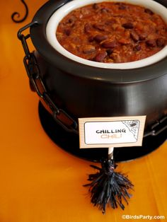 Chili Halloween Bar with lots of DIY details and recipes - perfect for feeding little ghouls before Trick or Treat!