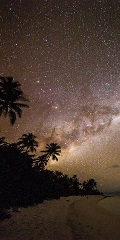 One Foot Island beneath the Milky Way in Aitutaki, Cook Islands - by Sean Scott