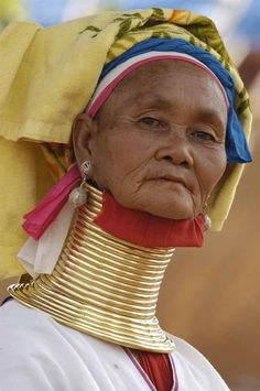 BRABBU has been inspired by Padaung people. Padaung is a tribe of Burma's Kayan ethnic group, known for wearing copper neck rings.  #culture #human #heritage #padaung #copper #neck #jewellery
