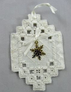 Hardanger Handmade Norwegian Whitework Embroidery Christmas Ornament White With Snowflake 101 Types Of Embroidery, Embroidery Patterns Free, Learn Embroidery, Embroidery Designs, Hardanger Embroidery, Embroidery Fabric, Bookmark Craft, Embroidery Techniques, Flower Tutorial