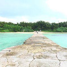 【ruuu333】さんのInstagramをピンしています。 《竹富島🌴 西桟橋☀️ #サイクリング  してまわるっ🚲  #石垣島 #沖縄 #竹富島#海 #空 #sea #ishigaki #okinawa #美容師 #夏休み #南国 #ビーチ #beach #beautiful #カイジ浜 #コンドイビーチ》