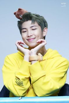 Schools heartthrob- jeon jungkook Schools nerd- park jimin What hap… Kim Namjoon, Seokjin, Hoseok, Bts Rap Monster, Hip Hop, Foto Bts, Super Junior, K Pop, Bts Bangtan Boy