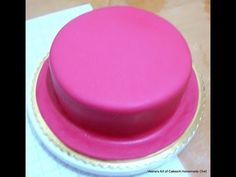 I know, I know, this has been a long awaited post. I apologize. Ever since I posted my video on how to cover a cake with fondant I have received countless emails asking me for my fondant recipe. So here is my homemade Fondant or Sugar paste recipe. Best Homemade Fondant Recipe, Rolled Fondant Recipe, Homemade Cakes, Paste Recipe, Icing Recipe, Frosting Recipes, Cake Recipes, Fondant Cakes, Cupcake Cakes
