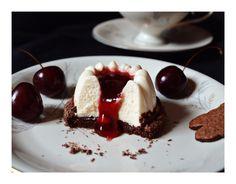 Kirsch-Schokoladen-Törtchen mit Mascarpone-Mousse / Cherry Chocolate Cakes with Mascarpone Mousse
