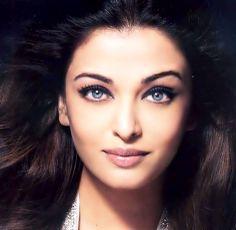 I ♥ Aishwarya Rai Bachchan Aishwarya Rai Young, Actress Aishwarya Rai, Aishwarya Rai Bachchan, Bollywood Actress, Beautiful Indian Actress, Beautiful Actresses, Indian Face, Beautiful Blonde Girl, Exotic Beauties