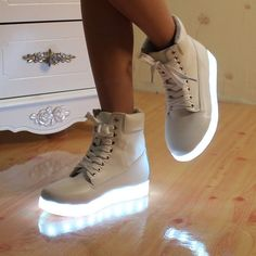 Light Up Shoes Chaussure A Led 8 Couleur Led Shoes 2016 New Colorful female High-top Flat Women LED Light Shoes For Adults Light Up Shoes, Lit Shoes, Shoes 2016, Waterproof Shoes, Led Licht, Lace Up Heels, Slip On Sneakers, Types Of Shoes, Womens Flats